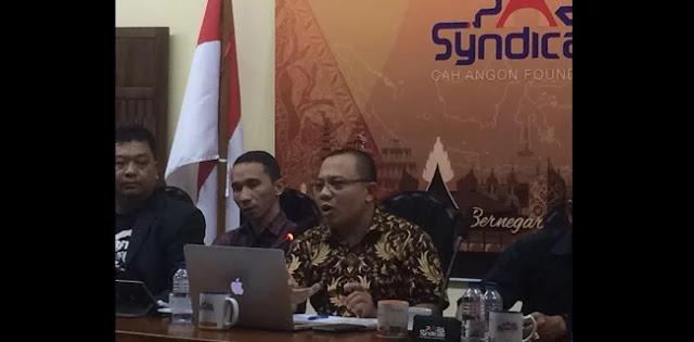 Jokowi Hanyut dalam Genderang Perang yang Ditabuh Lawan