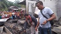 Rumahnya Terbakar, Seorang Bapak Tewas Terpanggang dan Anak Sekarat