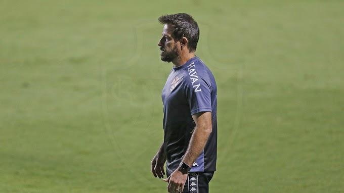 Oficial: confira a escalação do Vasco para o jogo contra o Bragantino