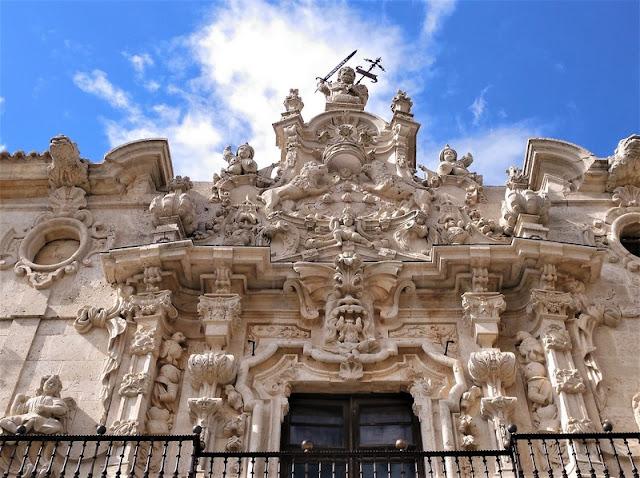 Monasterio de Uclés, fachada churrigueresca