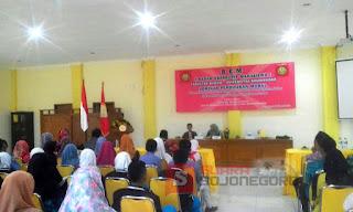 BEM Fakultas Hukum Universitas Bojonegoro Gelar Seminar Pendidikan Moral