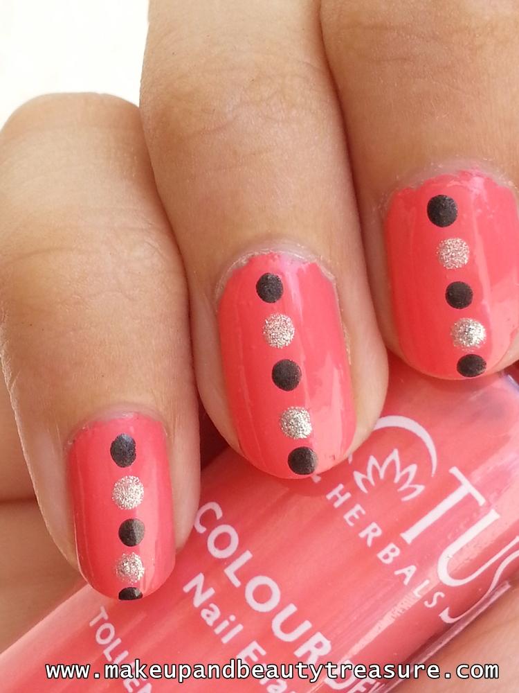 Classic Nails: Makeup And Beauty Treasure: Classic Polka Dots Nail Art