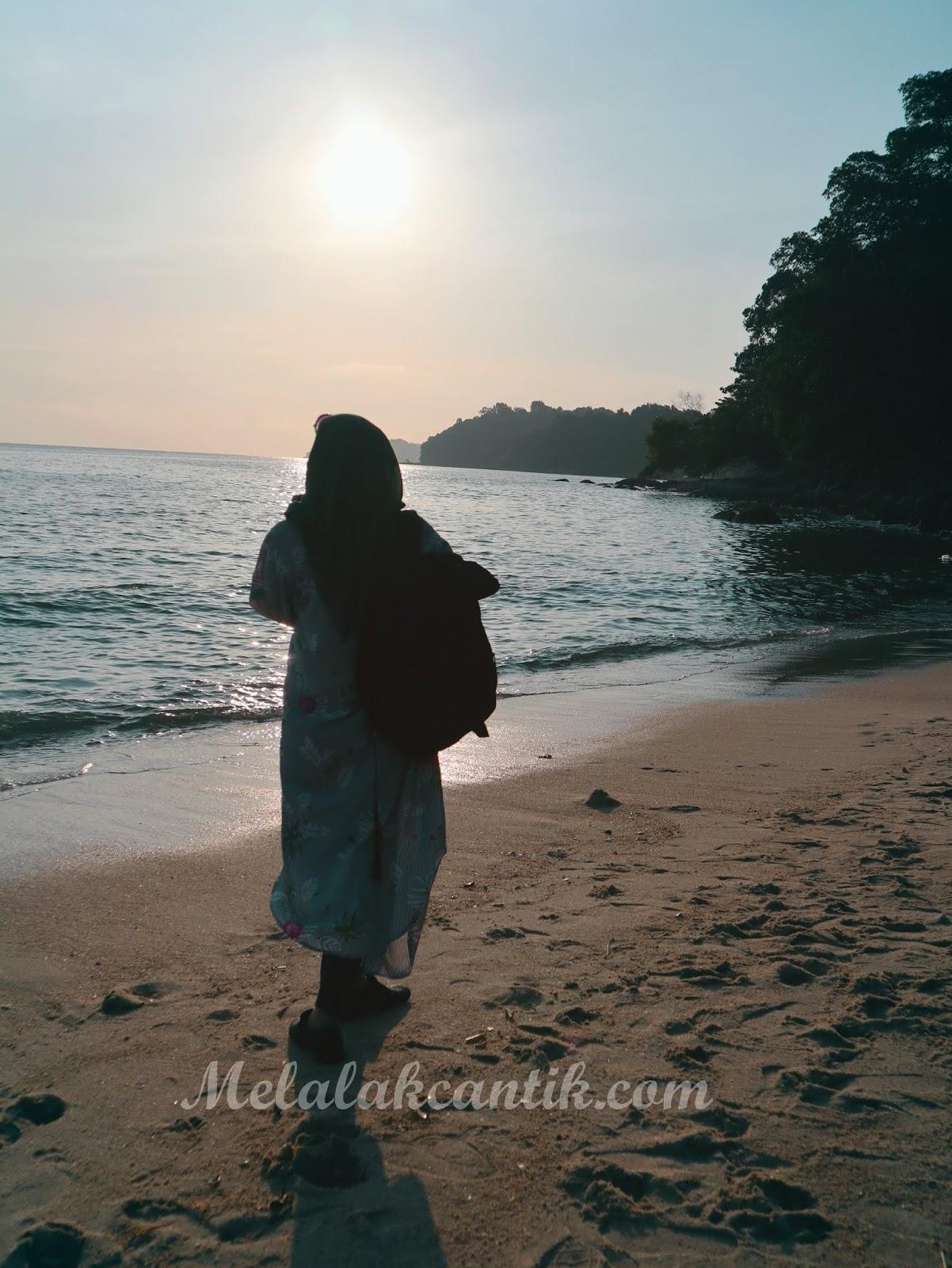 Pantai Ombak Damai Penang, Malaysia