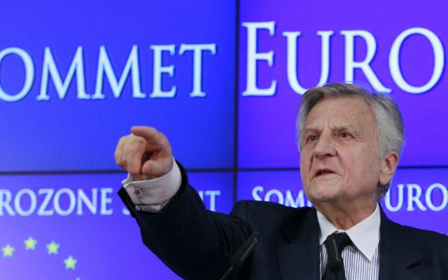 Την οξύτητα της αντίθεσης της Ευρωπαϊκής Κεντρικής Τράπεζας κατά οποιασδήποτε αναπροσαρμογής του ελληνικού δημόσιου χρέους, ακόμα και χωρίς «κούρεμα», αποκαλύπτει η «Κ», μέσω απόρρητης επιστολής του τότε επικεφαλής της, Ζαν-Κλοντ Τρισέ, προς τον τότε πρωθυπουργό Γ. Παπανδρέου, στις 7 Απριλίου του 2011.