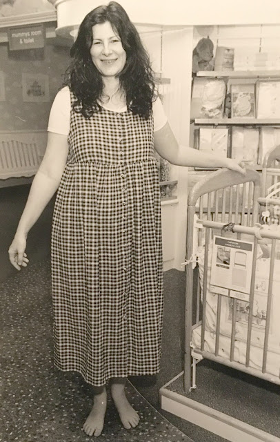 Pregnancy fashion 1995 style