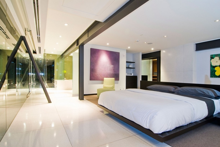 Modern bedroom in Hollywood Mansion by Whipple Russell Architects