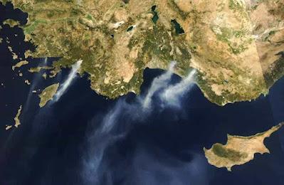 Incendios-na-Grecia-satelite