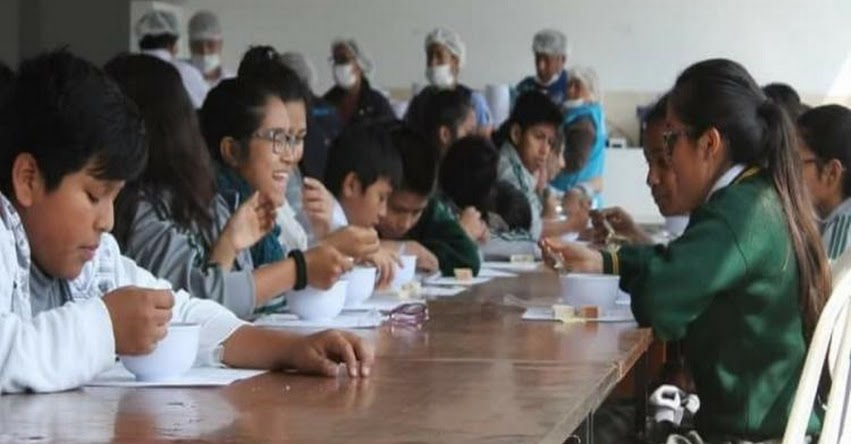 QALI WARMA: Niños deportistas de Áncash aprenden sobre alimentación saludable - www.qaliwarma.gob.pe