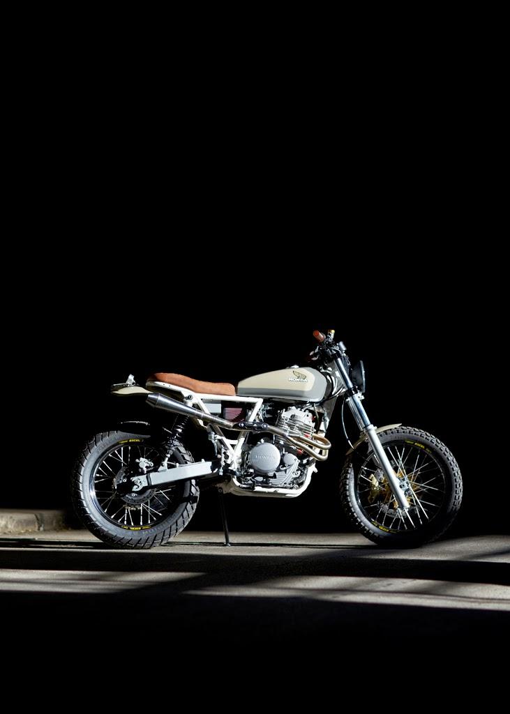 "Bob Brady Honda >> Moto-Mucci: DAILY INSPIRATION: Daniel Peter's ""Cabin Fever"" - 1995 Honda XR650L"