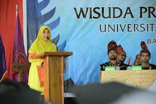 Ini Pesan Berharga Ketua Yayasan Dea Mas, Hj. Niken, Bagi Wisudawan UTS