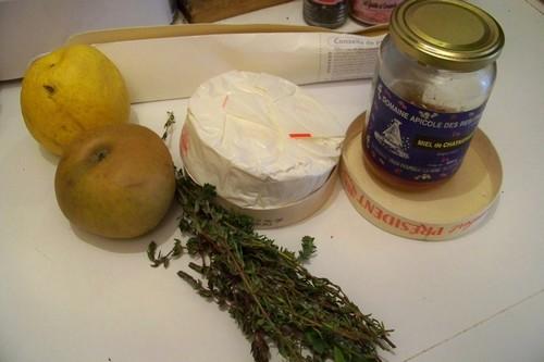 cuisine en folie tarte au camembert miel de ch taignier et aux pommes. Black Bedroom Furniture Sets. Home Design Ideas