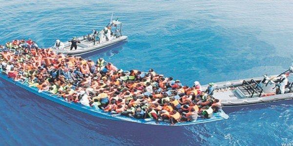 البحرية الملكية تساعد 112 مرشحا للهجرة السرية