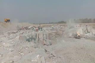 icha-kharkai-dam-work-stoped