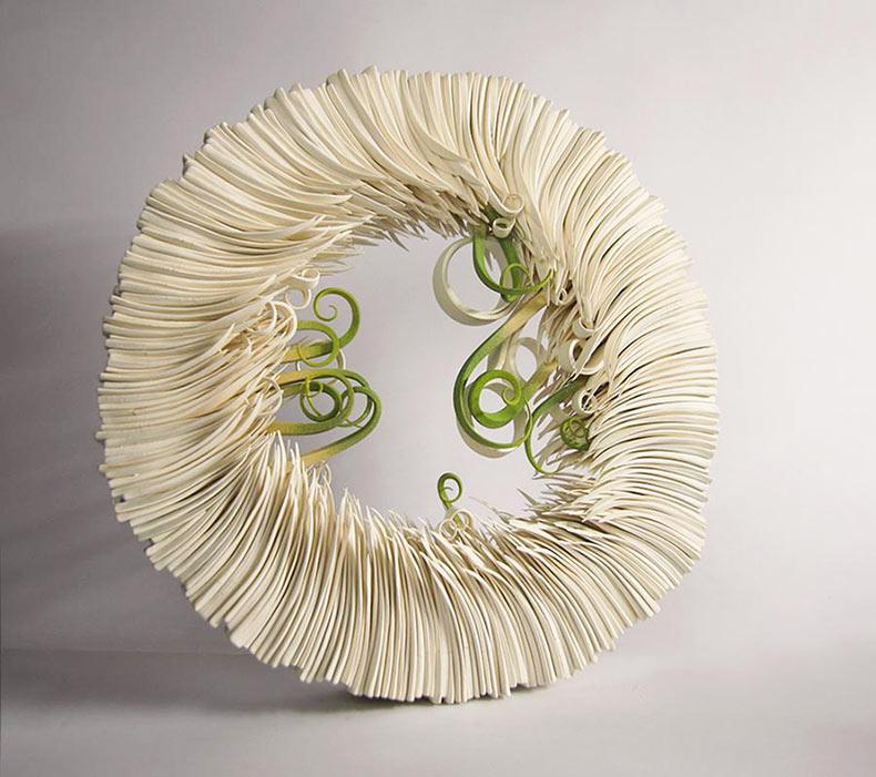 Cerámica similar al papel imita a los brotes de hojas de hierba