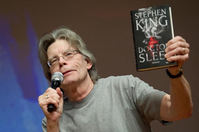 ستيفن كينج العبقري الذي ألهم الملايين