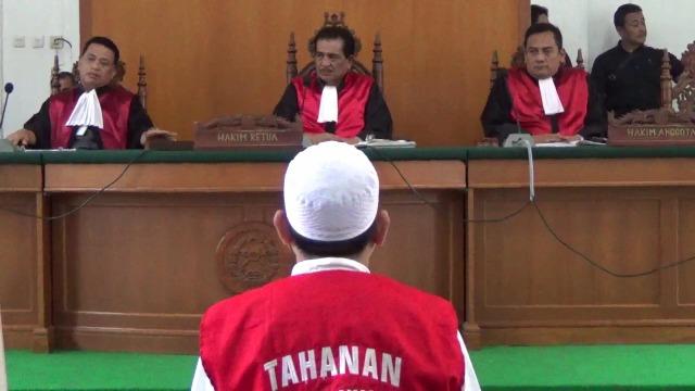 Bos Abu Tours Travel Dituntut 20 Tahun Penjara, Denda Rp 100 Juta