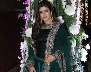 Raveena Tandon in Manish Malhotra , Manish malhotra Blouse, Manish malhotra Choli, Blouse deisgn by manish malhotra