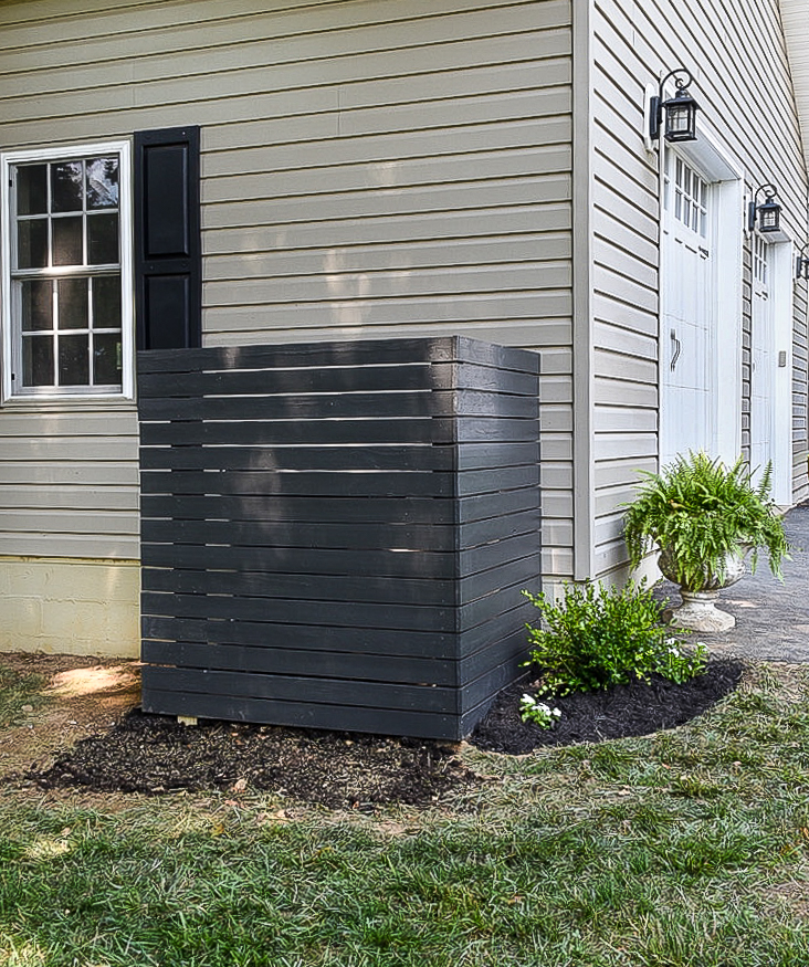How to hide your trash can