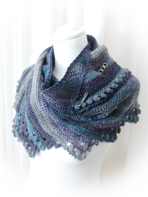 Star Beam Shawl Free Crochet Pattern The Curio Crafts Room Etsy Ravelry