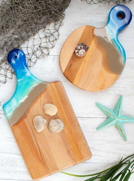 DIY Resin Art Ocean Blue Painted Cutting Boards