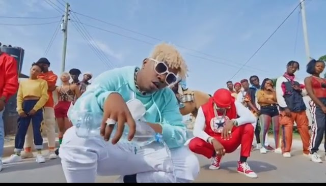 Rayvanny Ft Diamond Platnumz - Amaboko (Official Music Video)Alert