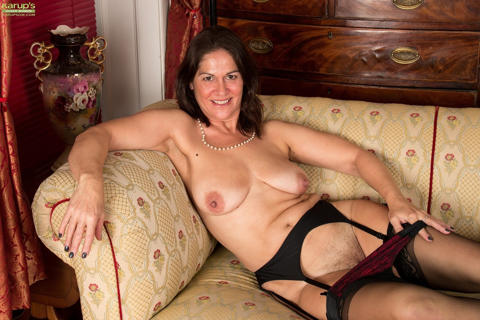 Older Women In Stockings Pictures