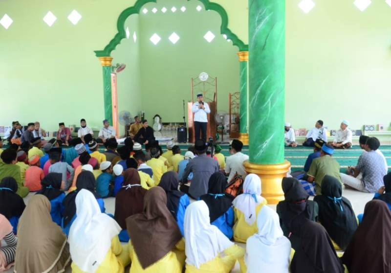 Sambangi Masjid Nurul Yaqin di Desa Tanjung Kelit, Ini Pesan Wakil Bupati Lingga Muhammad Nizar