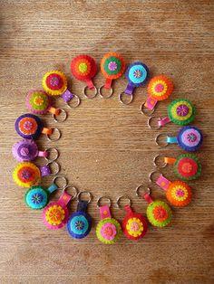 chaveiro feito com flor de crochê passo a passo