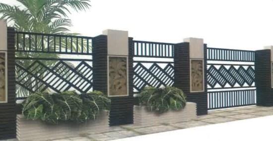Pagar rumah minimalis dari kombinasi besi dengan bahan beton