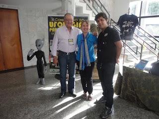 No centro Dra. Mônica Borine, ao lado esquerdo o pesquisador Gener Silva e a direita o presidente da AMPUP