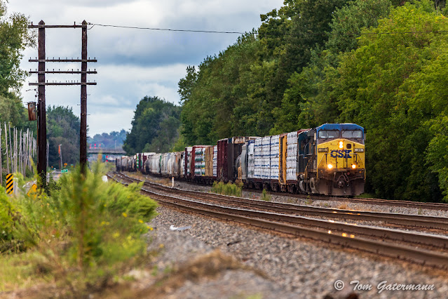 CSXT 35 & CSXT 4005 crawling east on Track 4 of the Syracuse Terminal Subdivision