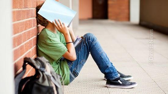 adolescente indenizado professora chama burro escola