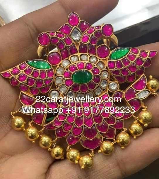 Real Look Kundan Rich Silver Pendants