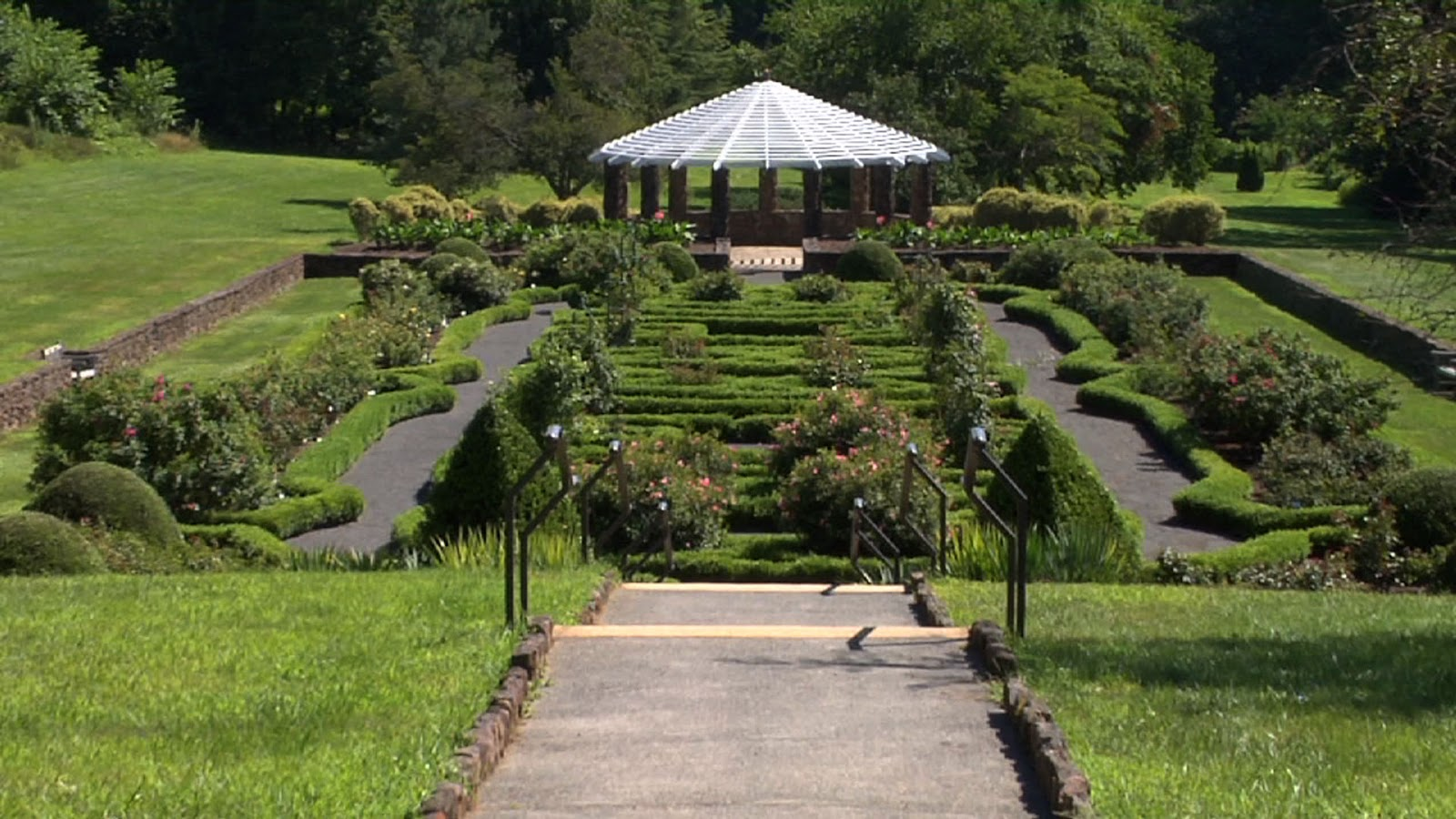 Gone Gardening Deep Cut Gardens