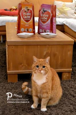 Katze Mimi verlost Katzenfutter beim Ostergewinnspiel