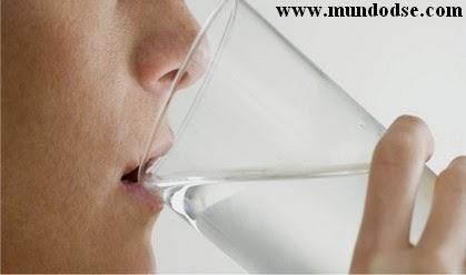 Perdendo peso bebendo água