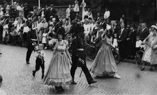 Die Biedermeiergruppe 1932 - Nachlass Joseph Stoll, Album Oald Bensem, lfd.No. 0098, eingescannt 600 dpi, Stoll-Berberich 2015