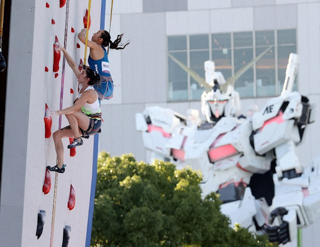 climbing olympic gundam