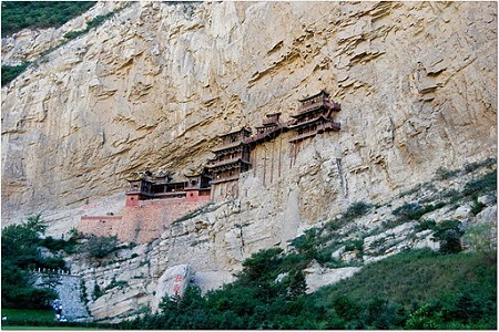 omg-facts-hanging-temple-in-china-मंदिर