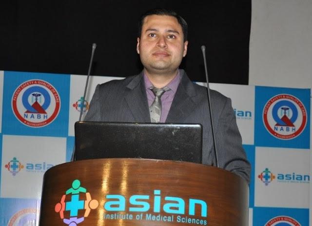 Dr.Saurabh Tyagi-adress-the-gathering-at-Asian Hospital-in-faridabad