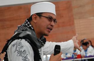 Download Lagu Mp3 Terbaik Ustad Jefri Al-Buchori Full Album Sholawat Lengkap