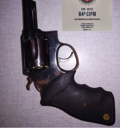 A guarnição da 84ª CIPM realiza apreensão de arma de fogo na zona rural de Angical