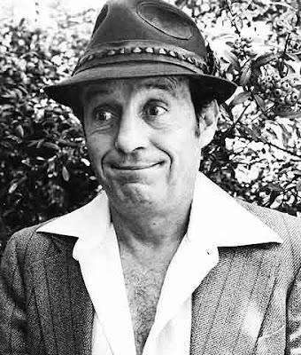 Foto de Roberto Gómez Bolaños con sombrero