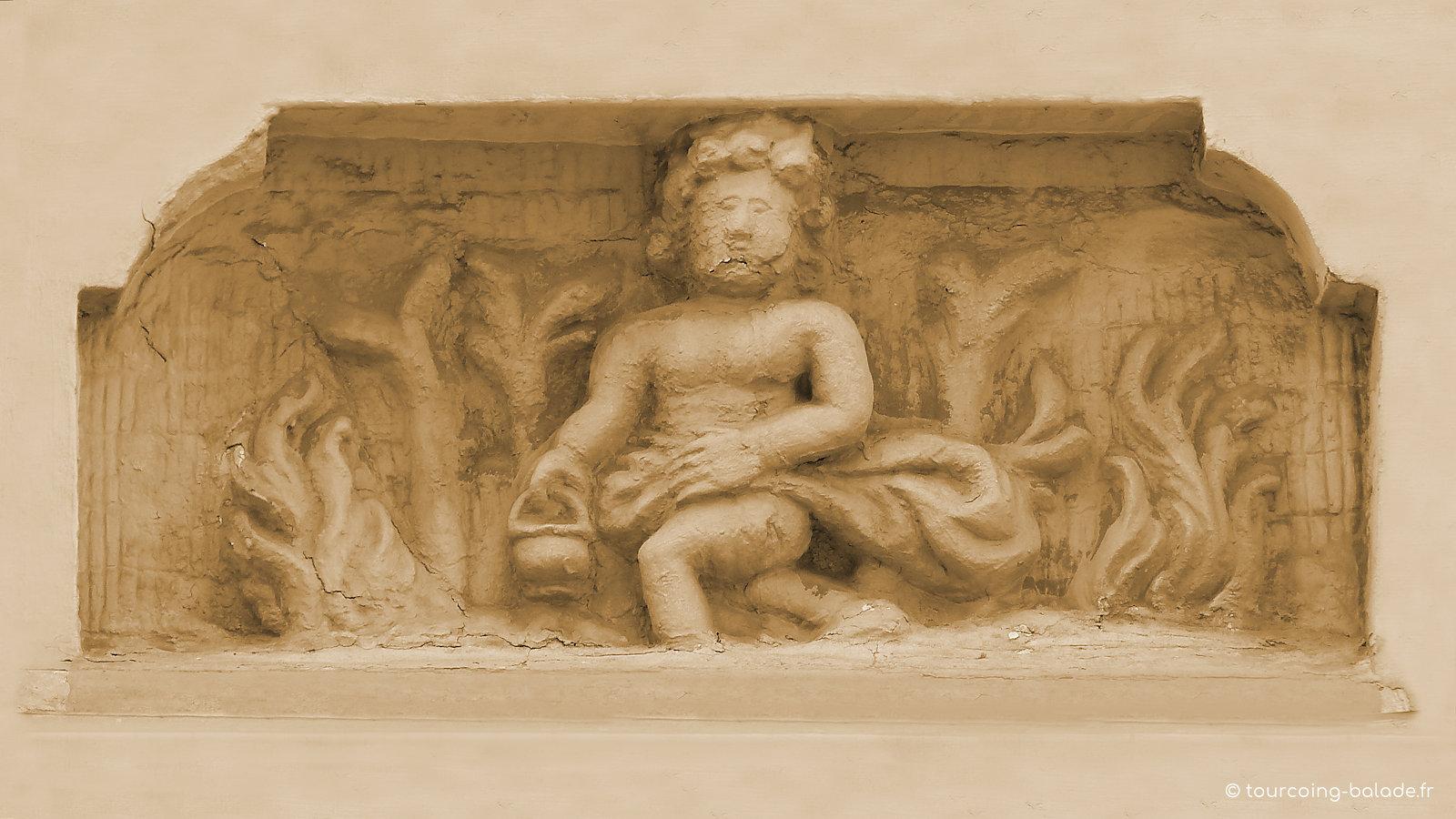 Maison des Quatre Saisons, niche 4 - Tourcoing Grand Place.