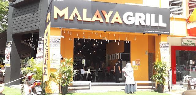 Pintu Masuk Utama Malaya Grill