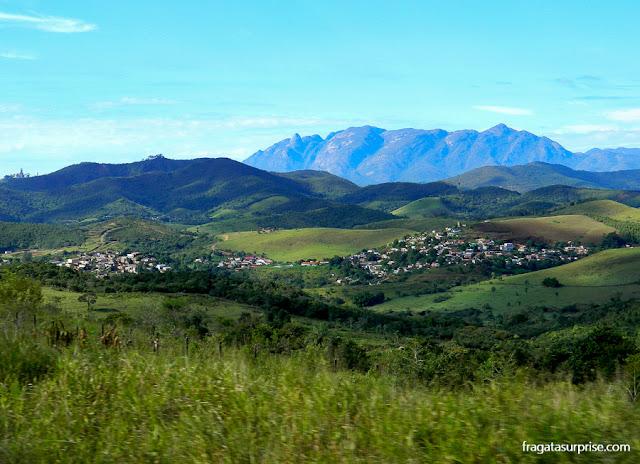 Santuário do Caraça de trem: a paisagem da Serra do Espinhaço