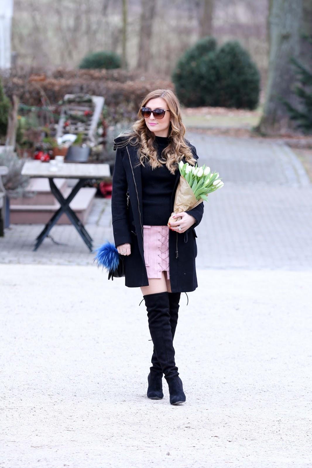 Schwarze-Overknees-Rosa-Rock-wildleder-Rock-Deutsche-Fashionblogger-Fashionblogger-aus-Deutschland-Fashionstylebyjohanna