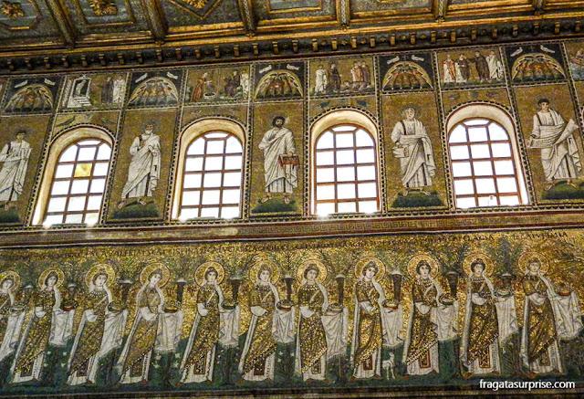 Mosaicos bizantinos na Basílica de Sant'Apollinare Nuovo, em Ravena, Itália