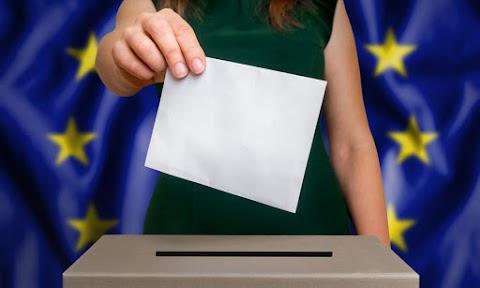 Csehországban és Írországban is megkezdődik a választás