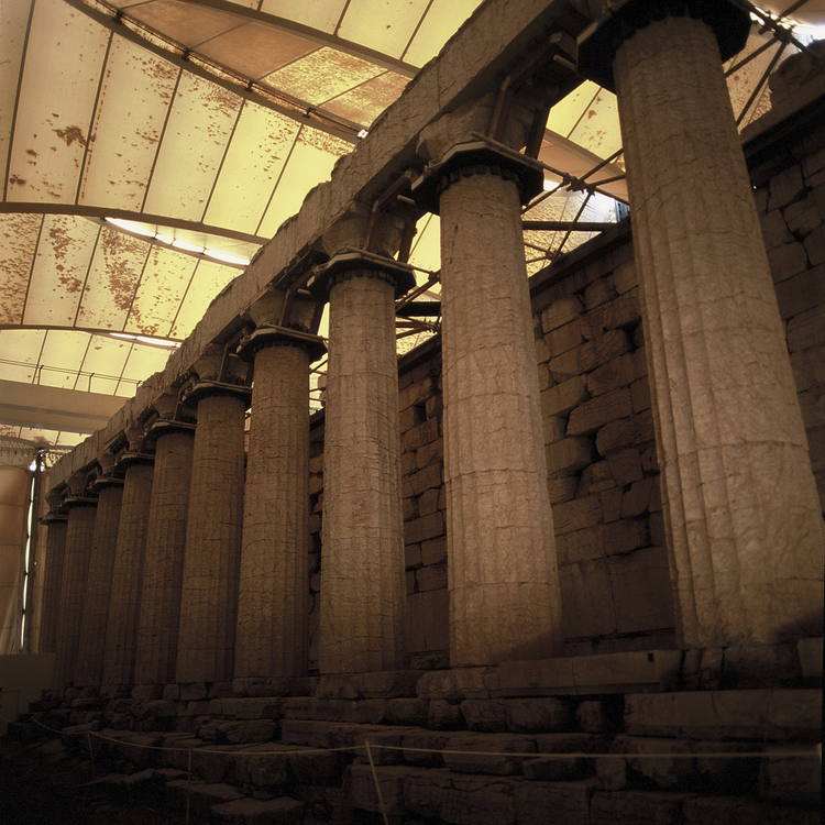 Sejarah Mengenai Bentuk Kolom Korintus